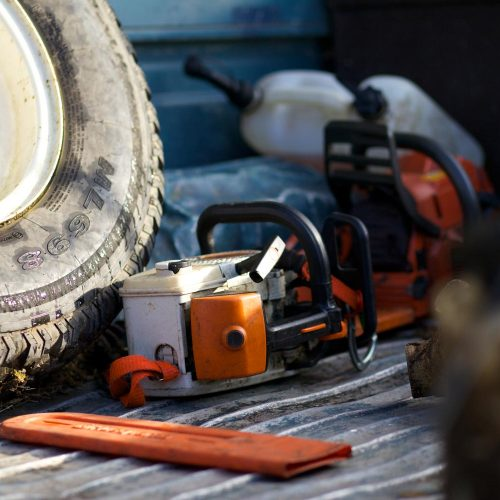 chainsaw-in-truck